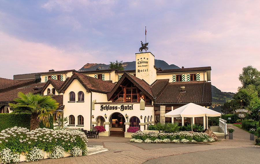 Swiss Chalet Merlischachen - Restaurant | Bar | Hotel | Bankett