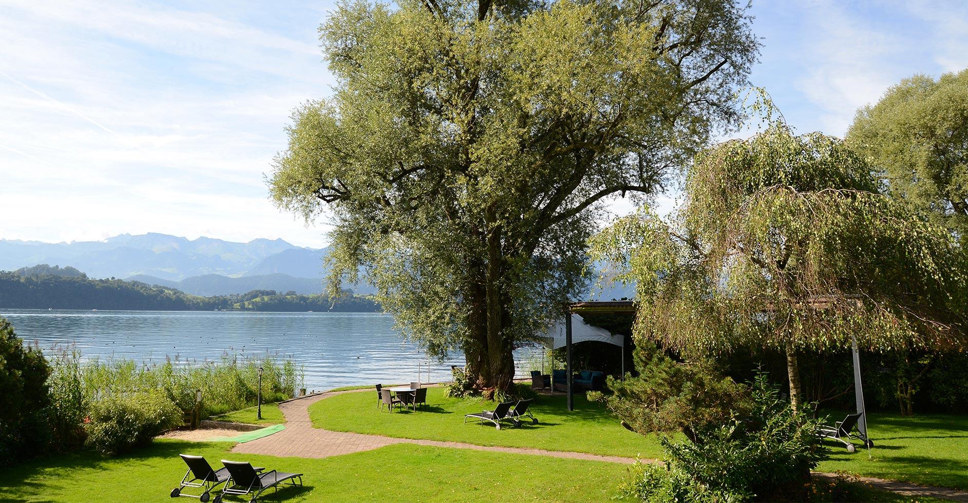 SWISS-CHALET-Schlosspark_Main01