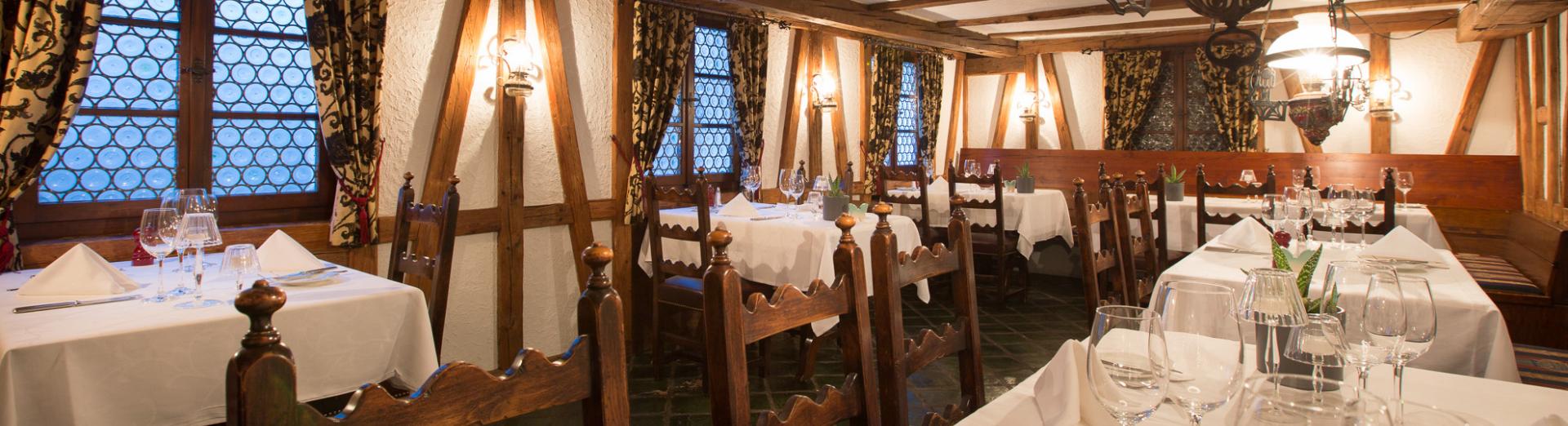 Tisch reservieren im Restaurant Swiss-Chalet